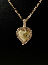GOLD IN QUARTZ HEART DIAMOND PEND